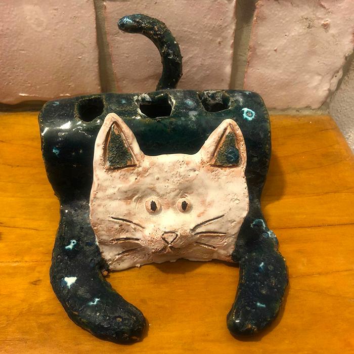 gatto portaspazzolino ceramica